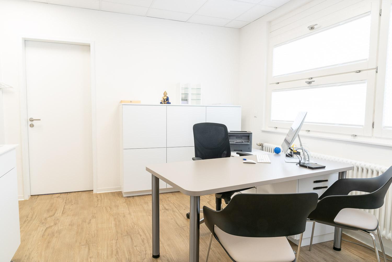 praxis-elsenbruch_Behandlungszimmer